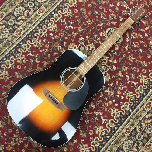 Martin D18 Sunburst 2008 (New Old Stock)